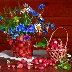 Jigsaw puzzle: Cornflowers and strawberries