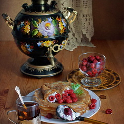 Jigsaw puzzle: Tea party with pancakes
