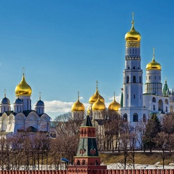 Jigsaw puzzle: Golden domes of the Kremlin