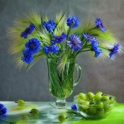 Jigsaw puzzle: Cornflowers and gooseberries