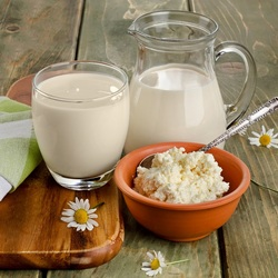 Jigsaw puzzle: A portion of milk and cottage cheese