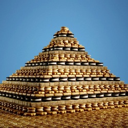 Jigsaw puzzle: Cookie pyramid