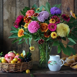 Jigsaw puzzle: Bouquet of flowers and fruits