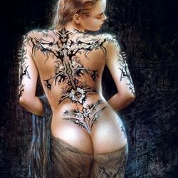 Jigsaw puzzle: Girl with a tattoo