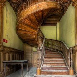 Jigsaw puzzle: Antique staircase