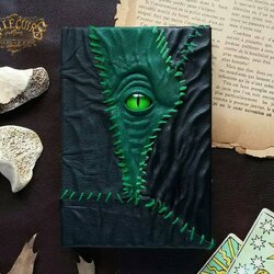 Jigsaw puzzle: Grimoire in Green Leather