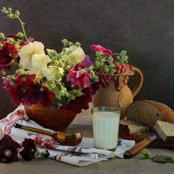 Jigsaw puzzle: A snack with flowers