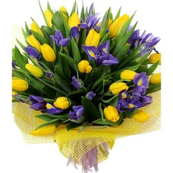 Jigsaw puzzle: Bouquet of tulips with irises
