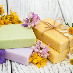 Jigsaw puzzle: Flower soap