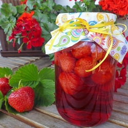 Jigsaw puzzle: Strawberry compote