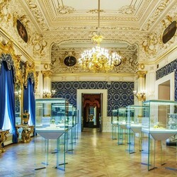 Jigsaw puzzle: Hall of the Faberge Museum