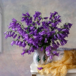 Jigsaw puzzle: Still life with garden bells