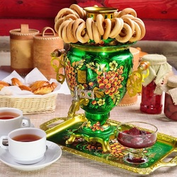 Jigsaw puzzle: Green samovar