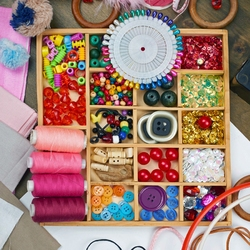 Jigsaw puzzle: Needlework box