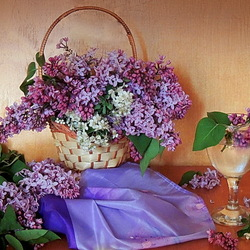 Jigsaw puzzle: Lilac in a basket