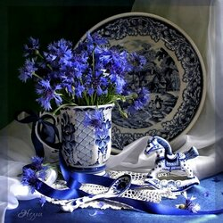 Jigsaw puzzle: Still life with cornflowers