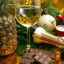 Jigsaw puzzle: Champagne with pineapple