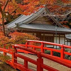 Jigsaw puzzle: Beautiful temple in autumn