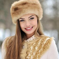 Jigsaw puzzle: In a fur hat
