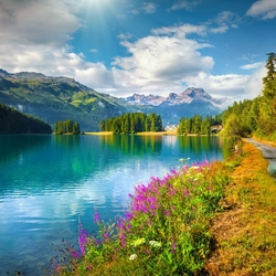 Jigsaw puzzle: Lake in the mountains