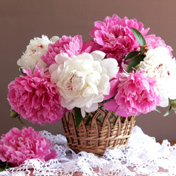 Jigsaw puzzle: Peonies in a basket