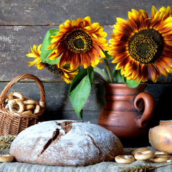 Jigsaw puzzle: Bread and sunflowers