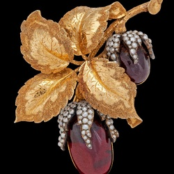 Jigsaw puzzle: Brooch Acorns