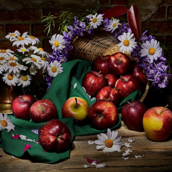 Jigsaw puzzle: Apples with flowers