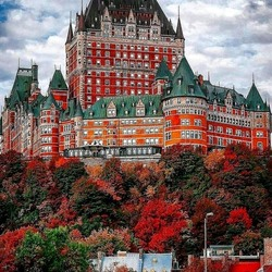 Jigsaw puzzle: Frontenac Castle in Quebec