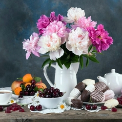 Jigsaw puzzle: Peonies and dessert for tea