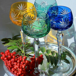 Jigsaw puzzle: Wine glasses