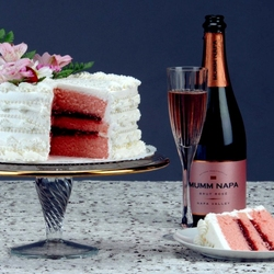 Jigsaw puzzle: Cake and champagne