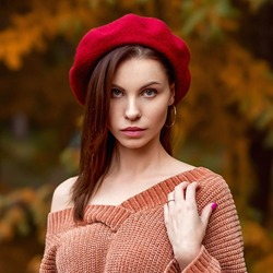 Jigsaw puzzle: Autumn in a red beret