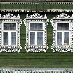 Jigsaw puzzle: Windows with lace trims
