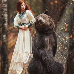 Jigsaw puzzle: With a bear in the forest