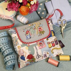 Jigsaw puzzle: Handbag of the needlewoman
