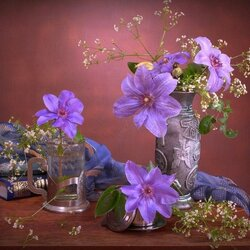 Jigsaw puzzle: Still life with clematis