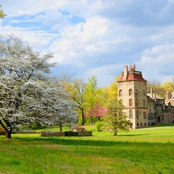 Jigsaw puzzle: Fonthill Castle