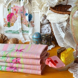 Jigsaw puzzle: Linen towels with embroidery