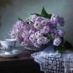 Jigsaw puzzle: Lilac and tea