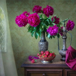 Jigsaw puzzle: Peonies and strawberries