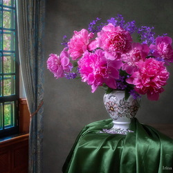 Jigsaw puzzle: Bouquet of peonies