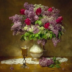 Jigsaw puzzle: Bouquet of lilac and tulips