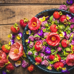 Jigsaw puzzle: Flower salad