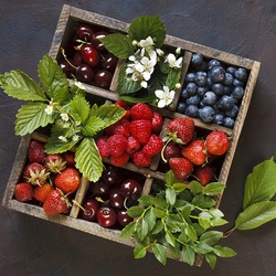 Jigsaw puzzle: Berry box
