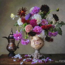 Jigsaw puzzle: Still life with autumn garden flowers