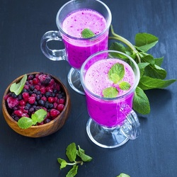 Jigsaw puzzle: Berry smoothie