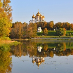 Jigsaw puzzle: Yaroslavl in the autumn morning