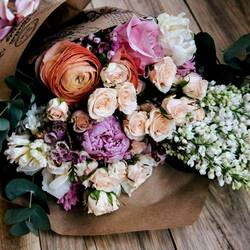 Jigsaw puzzle: Bouquet in a basket