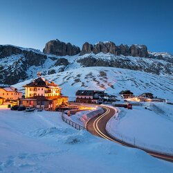 Jigsaw puzzle: Snow on the Dolomites